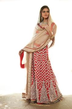 Outfit by:Shymal - replace blue border with white one? like the red and gold
