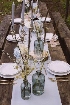 Country Wedding Bohemian Wedding Decorations, Wedding Table Settings, Wedding Table Centerpieces, Bridal Shower Decorations, Bohemian Weddings, Rustic Weddings, Outdoor Weddings, Romantic Weddings, Centerpiece Ideas