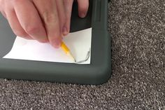 Dust Free Sanding Using a Storage Container : 15 Steps (with Pictures) - Instructables Easy Woodworking Projects, Woodworking Jigs, Carpentry, Diy Sanding, Shop Dust Collection, Diy Dining Table, Painters Tape, Vacuum Forming, Masking Tape