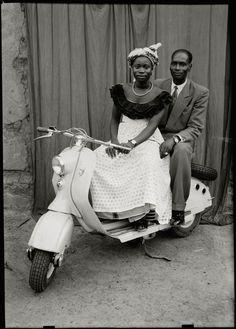 Photographs, Bamako, Mali 1948-1963 by Seydou Keita published by steidldangin / www.steidlville.com