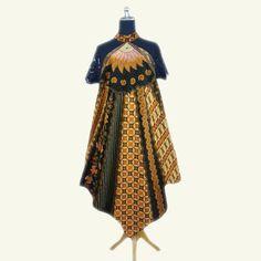 BD011 Jessica B Batik Dress  Rp 375.000,00  Modern batik dress, bahan batik cap dengan paduan brokat hitam premium membuat dress ini memberikan sentuhan elegan pada penampilan anda. Modern dan stylish.  LD – 102cm  Size : All Size  HP/WA: +62-858-5596-1498 Pin BB: 73F2A744 Line : batikdomka Instagram : batikdomka
