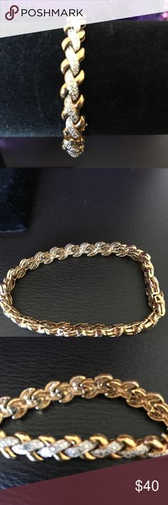"""NEW * 18K Diamond Accent Bracelet ~ Macy's ~ NEW! NEW * 18K Diamond Accent Bracelet ~ Macy's ~ NEW! color: Gold/Silver. 18K gold plated over Sterling Silver. BEAUTIFUL diamond accent. 7.5"""" length. Bought & never worn. Absolutely PERFECT! Macy's Jewelry Bracelets"""