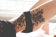 Sexy Thigh Tattoo Designs and Ideas for Girls15