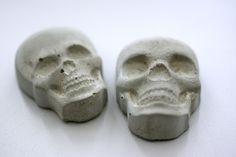 Skully von Oh Beton!  auf DaWanda.com