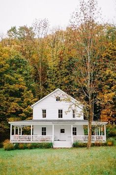 Head up to Handsome Hollow for a weekend getaway to their farmhouse, and take in the beauty for a couple days' worth of relaxing and spending quality time with your dearest. White Farmhouse, Farmhouse Plans, Modern Farmhouse, Farmhouse Style, Farmhouse Front, Building A Porch, Building A House, House With Porch, White Houses