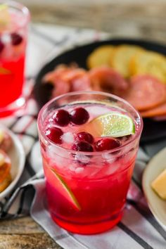 This cranberry lemonade ginger beer cocktail is the perfect drink to go along with any Hillshire® Snacking Social Platter! Cranberry Lemonade, Cranberry Juice Cocktail, Lemonade Cocktail, Cocktail Drinks, Whisky, Best Cocktail Recipes, Drink Recipes, Margarita Recipes, Alcohol Recipes