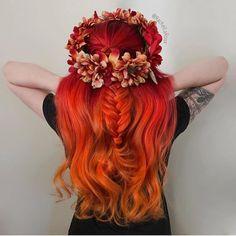 Hope everyone had a fantastic Thanksgiving... @rachellaroux is the artist... Pulp Riot is the paint. #pulpriothair #flowercrown #haircolor #fallhair #hair #bridal #hairstyle