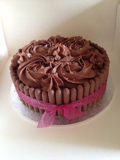 Easy peasy yummy Green & Blacks chocolate cake