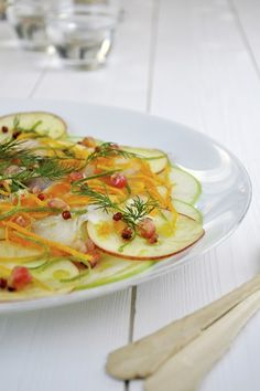 Haddock and Apple Carpaccio with Orange, Lime and Pomegranate Seeds (sugar-free) Healthy Grains, Healthy Eating, Carpaccio Recipe, Potato Rice, Healthy Sugar, Nut Butter, Fish Recipes, Vegetable Pizza, Entrees