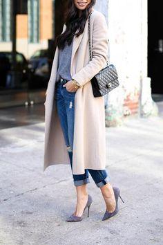 Le manteau long est le vêtement chouchou pour se tenir au chaud cet automne  Tenues Automne 4cc413b96d0