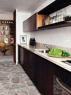 kitchen with stone floors #decor #kitchens #cozinhas