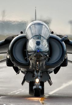 Harrier fighter jet, also referred to as the jump jet, fun little plane. Military Jets, Military Aircraft, Air Fighter, Fighter Jets, Photo Avion, Jet Plane, Fighter Aircraft, War Machine, Armed Forces