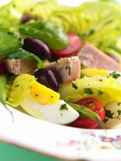 Salade niçoise : recette de salade niçoise - Recette classique - Cuisine française : recettes des grands classiques - aufeminin.com