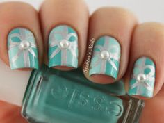 Spektor's Nails: Mint Green Christmas Gift Nails with Pearls
