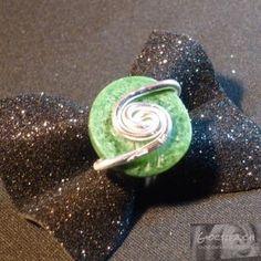 Anello verde con alluminio
