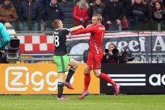 In het seizoen 2013-2014 begon de huidige sluitpost van Ajax in de Jupiler League. Maar lang zou deze 'vervelende kwelling' niet duren voor de keeper, na een aantal fouten van zijn concurrent Kenneth Vermeer, werd Jasper Cillessen al snel de nummer één van de ploeg van Frank de Boer.