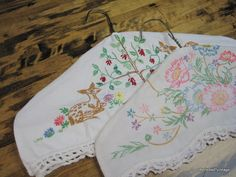 hanger covers from vintage linens! But no wire hangers! Vintage Embroidery, Embroidery Patterns, Hand Embroidery, Embroidery Stitches, Fabric Crafts, Sewing Crafts, Sewing Projects, Vintage Crafts, Vintage Sewing