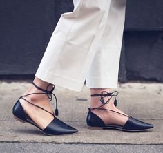 """A great pair of shoes shouldn't be hidden. That's why I love these wide-legged cropped trousers. This style, in a petite cut, fits me perfectly and I like that they show off the delicate ankle straps of my flats."" How to wear trousers via @stylonylon."
