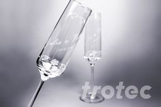 Engrave glass simply and precisely with a Trotec laser engraving machine Trotec Laser, Wedding Decorations, Wedding Ideas, Laser Engraving, Knowledge, Gift Ideas, Weddings, Glasses, Tableware