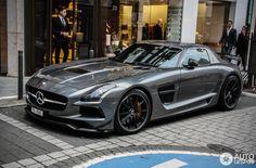 Dieses und weitere Luxusprodukte finden Sie auf der Webseite von Lusea.de  Mercedes-Benz SLS AMG Black Series 2