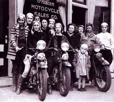 Chicks & bikes! Love this!