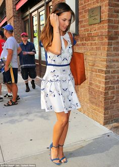minka kelly on trend in a very cute print dress.
