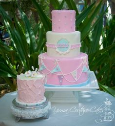 like the bunting and the difference in the buttercream cake