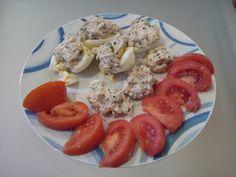 Diario da Nocas: Ovos cozidos c/ pasta de atum e tomate