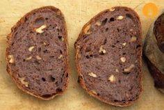 Pan con vino tinto y nueces