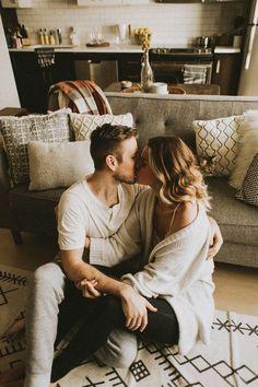 na een lange dag werken .. wens ik je een mooi weekend en een heerlijke relaxte avond toe .. geniet van elkaars lach , zoenen , strelingen , warmte en liefde .... ik gun t je zo .. al lopen de tranen nu letterlijk over mn wangen bij de gedachte dat ik zo graag bij je zou zijn om je even vast te houden .... verdomme .. ik mis je zo ontzettend veel ..... ;-((( ... ik hoop dat het goed met jou gaat ...............