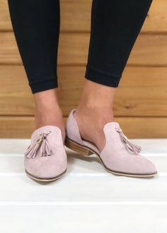 EYES ON YOU TASSEL LOAFERS - PINK