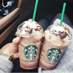 9 Trusting Cool Ideas: Old Coffee Signs coffee photography people.Coffee Pictures For Kitchen coffee cozy sewing. Starbucks Frappuccino, Café Starbucks, Secret Starbucks Drinks, Comida Do Starbucks, Bebidas Do Starbucks, Coffee Barista, Coffee Creamer, Coffee Meme, Hot Coffee