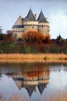 Le château médiéval de Suscinio sur la presqu'île de Rhuys dans le Morbihan.
