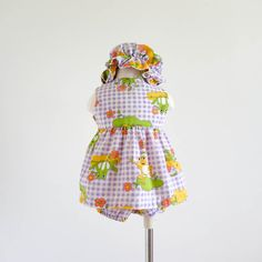 Vintage 1970s Girls Size 1 Playsuit / 70s Playsuit 3 Pc Set- Top, Bloomers and Bonnet / Cotton Frog Novelty Print, Needs Mending by AttysSproutVintage on Etsy