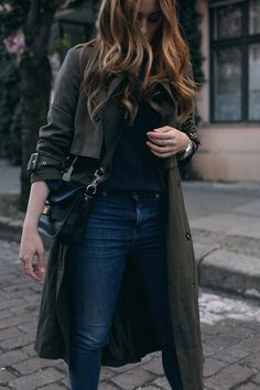 Desi is wearing: Oversized trench coat, Proenza Schouler PS11 Mini Classi bag, Isabel Marant Raelyn suede boots, navy skinny jeans, navy blouse, boyfriend watch - teetharejade.com