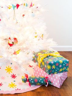 This colorful tree skirt is the perfect compliment to a white Christmas tree! Christmas Crafts For Adults, Diy Christmas Decorations Easy, Modern Christmas Decor, Christmas Holidays, White Christmas, Christmas Tree, Xmas, Colorful Trees, Tree Skirts