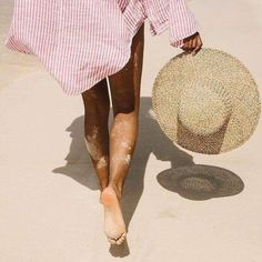 Idea and inspiration summer look trend 2017 Image Description Taking a step in the right direction . towards the weekend DAIS GARCIA Summer Feeling, Summer Vibes, Beach Bum, Summer Beach, Summer Rain, Beach Walk, John Cheever, Foto Glamour, Foto Blog