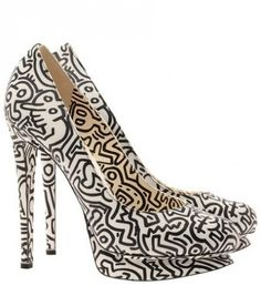 Chaussure street art style. Keith Haring.