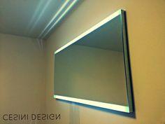Specchio illuminato, colore variabile tramite telecomando, dimensioni cm 120x60, spessore cm 4 - Lighted mirror, color changing by remote control, dimensions cm 120x60, thickness cm 4
