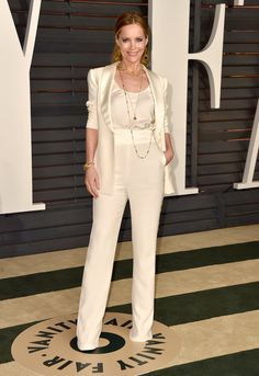 Pin for Later: After the Oscars, It's the Afterparty: See What Every Star Wore Leslie Mann Leslie Mann stunned in a cream pantsuit and gold Neil Lane jewelry at the Vanity Fair Oscars party.