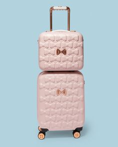 Ted Baker has the cutest luggage ever! Cute Luggage, Luggage Sets, Pink Luggage, Cute Suitcases, Ted Baker Bag, Ted Baker Wallet, Boutique Fashion, Leather Handle, Travel Bag