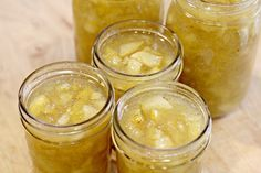 Pear Vanilla Jam Recipe- supposed to the BEST JAM YOU WILL MAKE!  We finally have a pear crop! making this on the weekend!!
