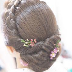 Wedding Hairstyles Bride Medium Bridesmaid Ideas For 2019 Indian Wedding Hairstyles, Bride Hairstyles, Hairstyles Haircuts, Trendy Hairstyles, Updo Hairstyle, Up Dos For Medium Hair, Medium Hair Styles, Short Hair Styles, Bridal Hairdo