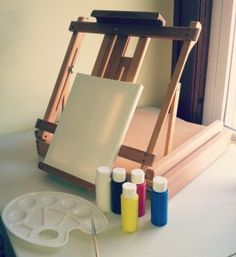 Ravenna Sketch Box Easel in Wood Giveaway!!