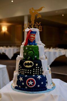 Wedding of the Week: Michelle Roberts and Ian Black Superhero Wedding Cake, Batman Wedding Cakes, Crazy Wedding Cakes, Wedding Cake Fresh Flowers, Wedding Sweets, Superhero Cake, Unique Wedding Cakes, Wedding Cake Designs, Wedding Cake Toppers