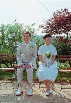 셀프웨딩_작은결혼식_하우스웨딩_스몰웨딩_연예인웨딩 : 네이버 블로그 Pre Wedding Poses, Wedding Couple Photos, Pre Wedding Photoshoot, Wedding Shoot, Wedding Couples, Wedding Bride, Dream Wedding, Couple Photoshoot Poses, Wedding Posters
