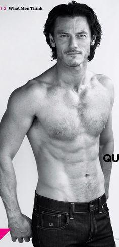Luke Evans: un Adone,perfetto per le parti da Dio dell'Olimpo. Non vedo l'ora di vederlo in Dracula Untold!!