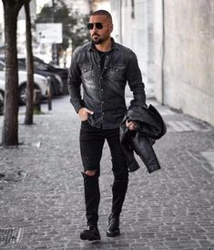 How To Wear a Grey Denim Shirt With Black Ripped Jeans For Men looks & outfits) Grey Denim Shirt, Black Ripped Jeans, Black Denim, Men Looks, Cheap Mens Fashion, Winter Outfits Men, Winter Clothes, Summer Outfits, Leather Jacket Outfits