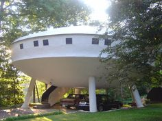 1. Chattanooga Spaceship House