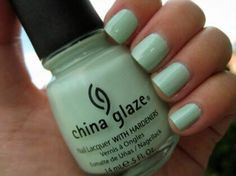 I want this Mint color nail polish for that Back to School Effect , looks fresh and new . This would look great with my skin color . Tan :) .